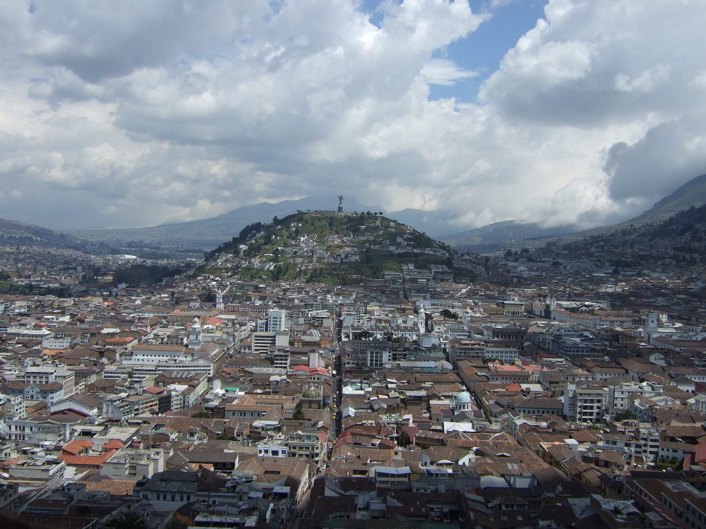 1024px-Virgen_de_Quito