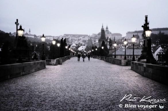 pont prahue lampadaire