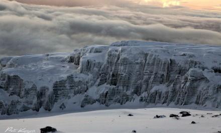 Kilimandjaro : derniers pas avant d'atteindre le toit de l'Afrique