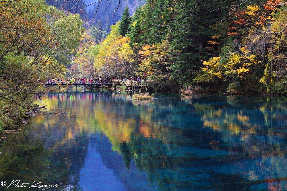 Chine- L'automne coloré dans la splendide vallée de Jiuzhaigou aux 118 lacs