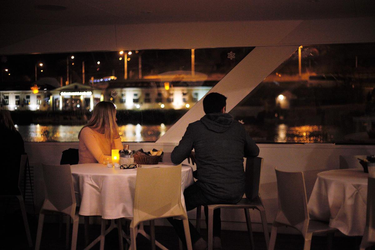 Test : Croisière de nuit sur la rivière Vltava à Prague